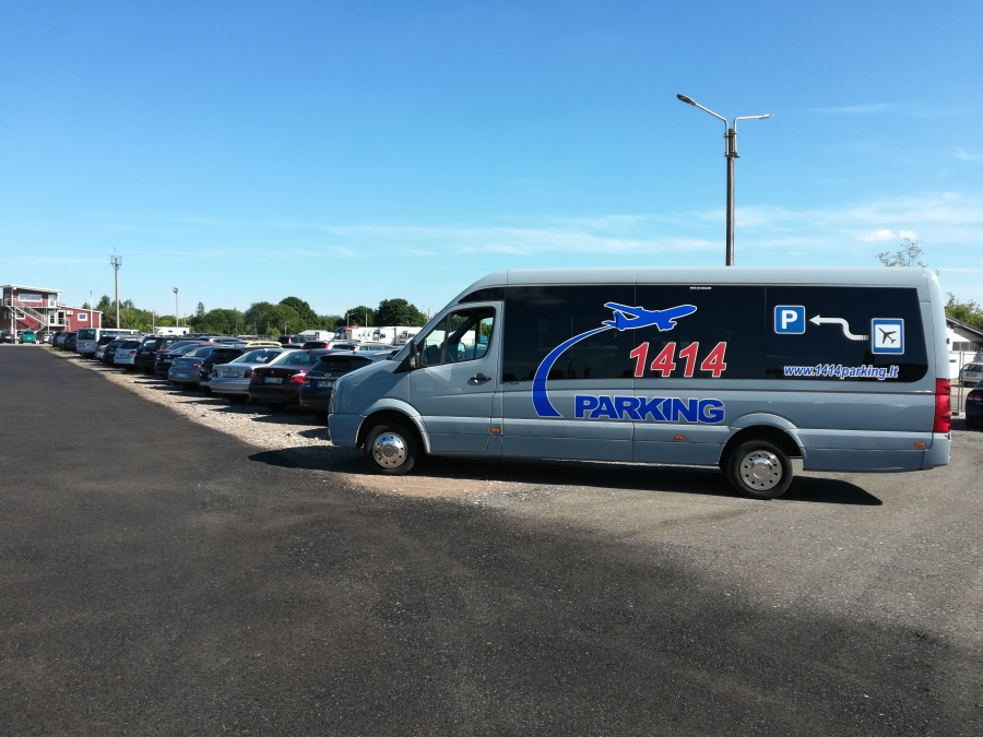 Saugus automobilių parkavimas prie Vilniaus oro uosto 3