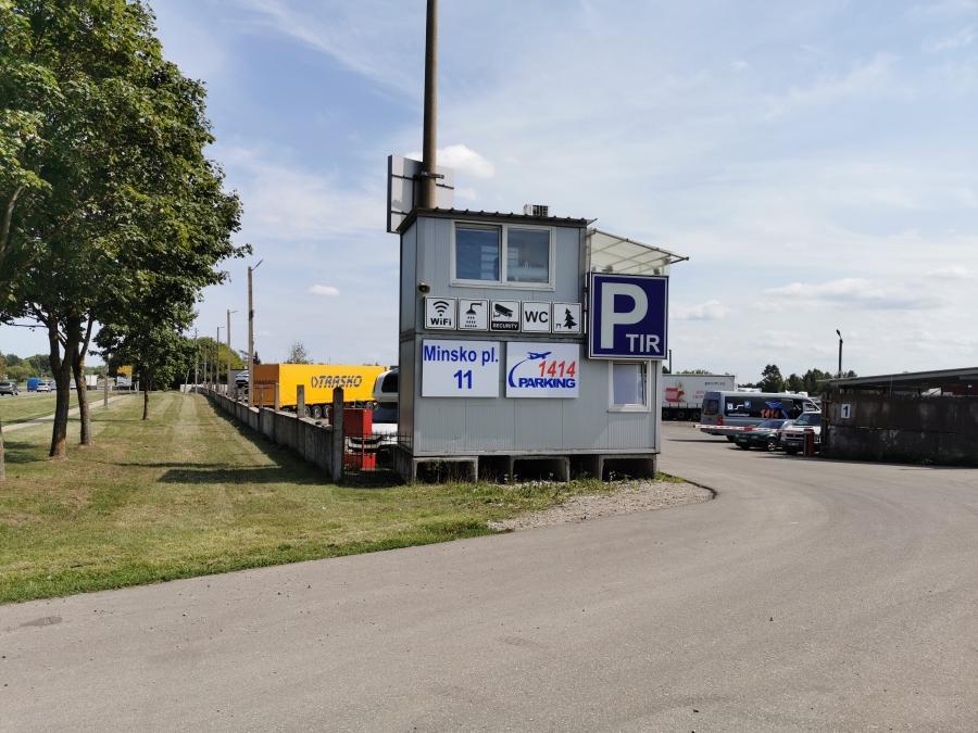 Saugus automobilių parkavimas prie Vilniaus oro uosto 2